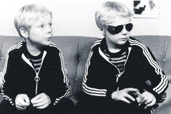 The_Twins_still2